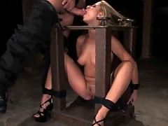 Girl with sexy ass in headstock and bondage sex!