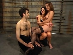 Penny gives gimp an all new glorious title with her smokin BJ