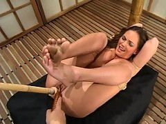 Venus exhibits a rope tutorial on a modified Sex position