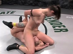 Bobbi Star destroys hot blond in F/F sex wrestling